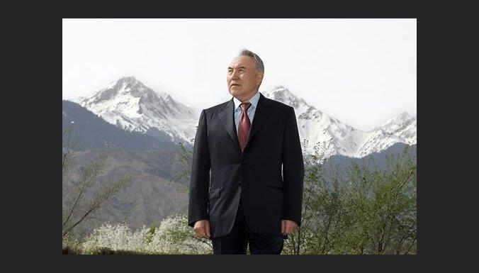 Назарбаев на выборах президента Казахстана набрал 97% голосов