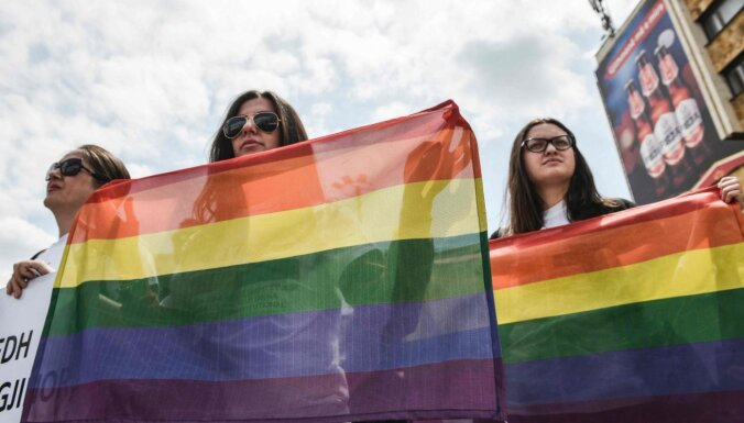 Latvija joprojām pēdējā ES seksuālo minoritāšu tiesību jautājumos, norāda organizācija