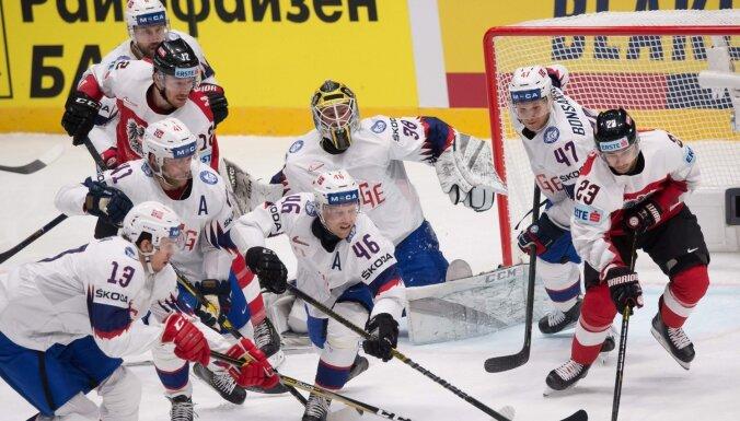 Norvēģija izmanto Austrijas kļūdas un triumfē izdzīvošanas spēlē; aizsargam Bulam 'hat-trick'