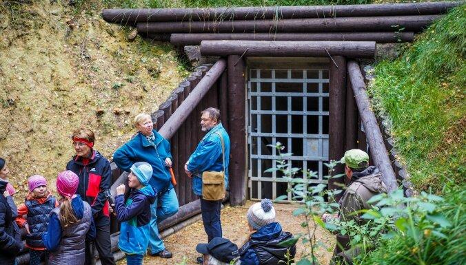 Bijušās kaolīna raktuves Čehijā kļūst par mājvietu velnam un jaunu tūrisma objektu