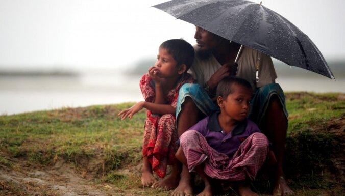 Kaujinieku uzbrukumā Mjanmā nogalināti vismaz 19 cilvēki