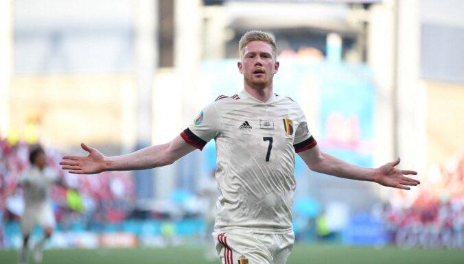 Uz maiņu nākušais de Bruine palīdz Beļģijai atspēlēties pret Dāniju