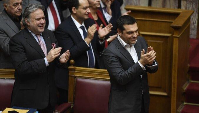 Grieķijas parlaments atbalsta Maķedonijas nosaukuma maiņu