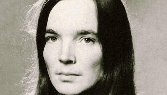 Mūžībā aizgājusi dzejniece Ilze Binde-Ērgle