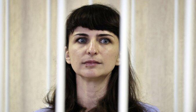 Par Bondarenkas nāves aprakstīšanu Baltkrievijā ar cietumsodu notiesā žurnālisti un ārstu