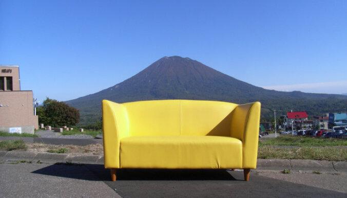 'Dīvānsērfošana' jeb 'Couchsurfing' - kas vairāk nekā naktsmājas