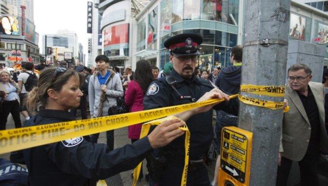 Apšaudē lielveikalā Kanādā viens cilvēks nogalināts un vairāki ievainoti