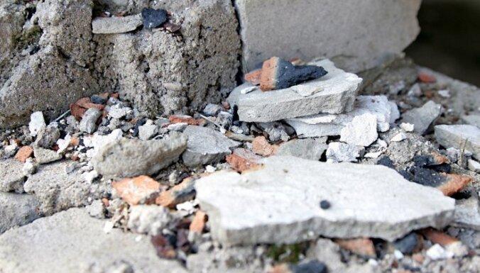 Сумма штрафов для владельцев заброшенного дома на ул. Марияс превысила 7600 евро