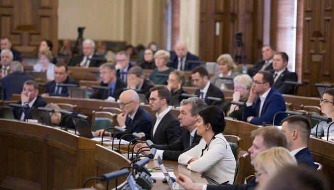 'Koalīcija aizlīmē plaisas' – novadu reformu Saeimā skatīs visu nedēļu