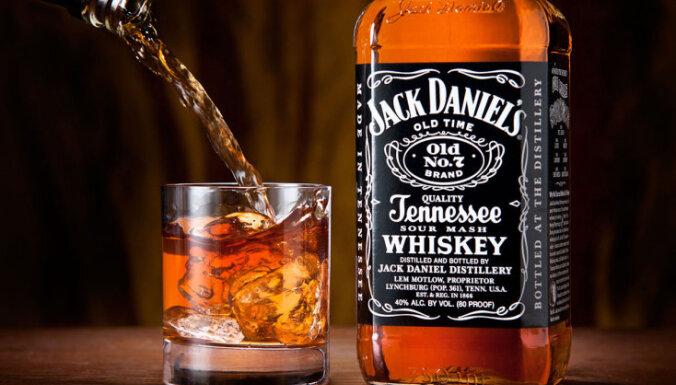 Сейм снизил акцизный налог на крепкий алкоголь