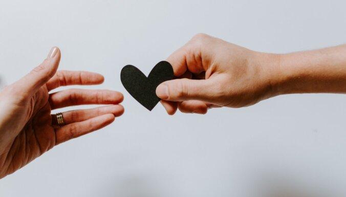 Saistības – ļaunais bubulis? Kāpēc cilvēki baidās no nopietnām attiecībām