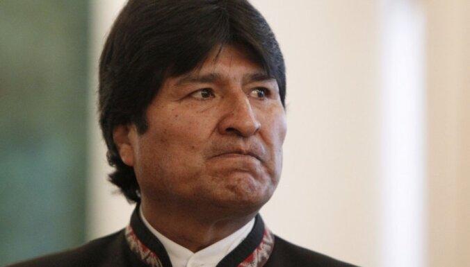 Meksika piešķir patvērumu demisionējušajam Bolīvijas prezidentam Moralesam