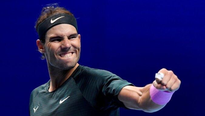 Nadals ATP finālturnīrā pārspēj pērno uzvarētāju Cicipu