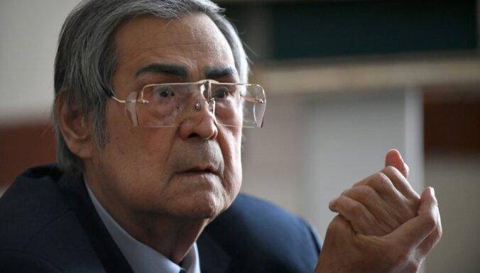 Тулеева почти единогласно избрали спикером кемеровского облсовета