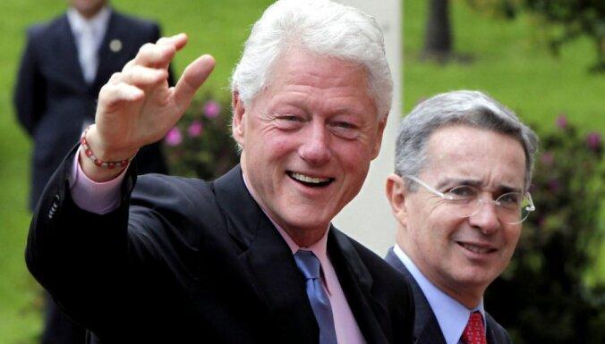 Bils Klintons