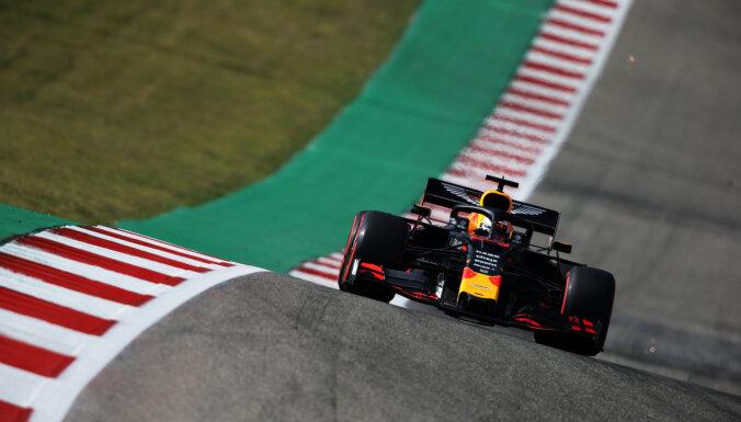 Verstapens un Hamiltons ātrākie ASV 'Grand Prix' treniņos