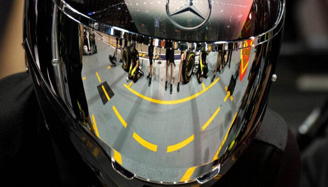 'Mercedes' F-1 komanda atlaiž četrus darbiniekus par rasistisku rīcību