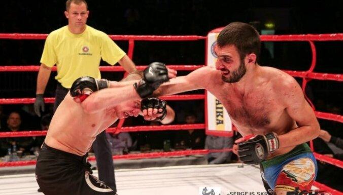 ФОТО: В Риге увидели бойцовское шоу Klondaika Fight Arena