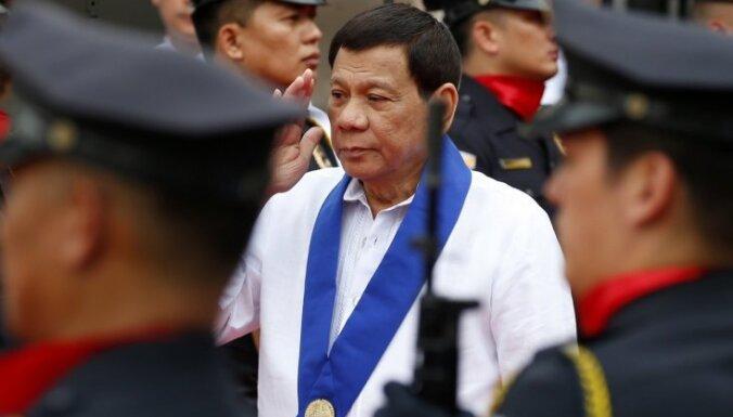 Filipīnu prezidents liek 60 miljoniem iedzīvotāju palikt mājās