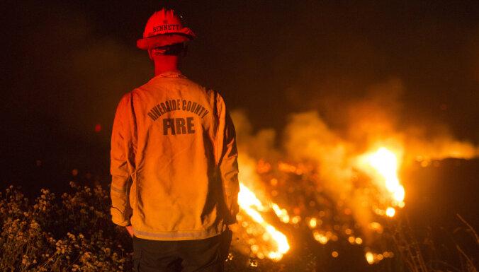 Около восьми тысячи человек эвакуируют в Калифорнии из-за лесного пожара