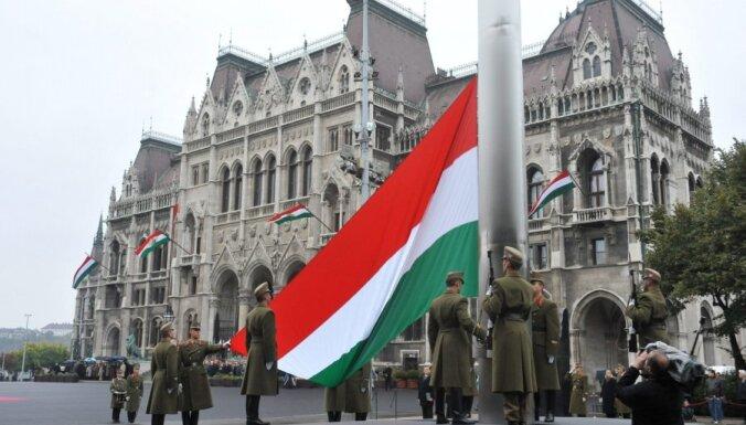 """Венгрия """"поправила"""" конституцию, несмотря на протесты ЕС и США"""