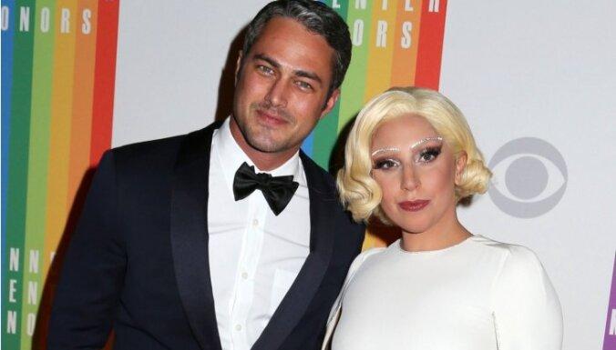 ФОТО: Lady Gaga сообщила, что помолвлена