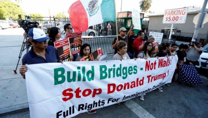 Meksikas finanšu ministrs atkāpjas saistībā ar Trampa vizīti