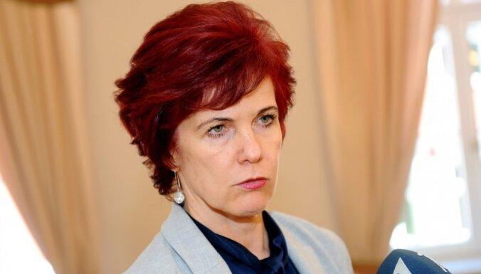 Āboltiņa: nav īstais brīdis sasaistīt partijas un frakcijas vadību