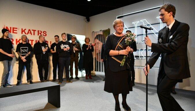Normunda Naumaņa Gada balvu mākslas kritikā saņem Silvija Radzobe