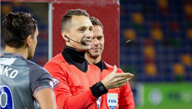 FIFA galveno tiesnešu skaits Latvijā papildinājies līdz pieciem