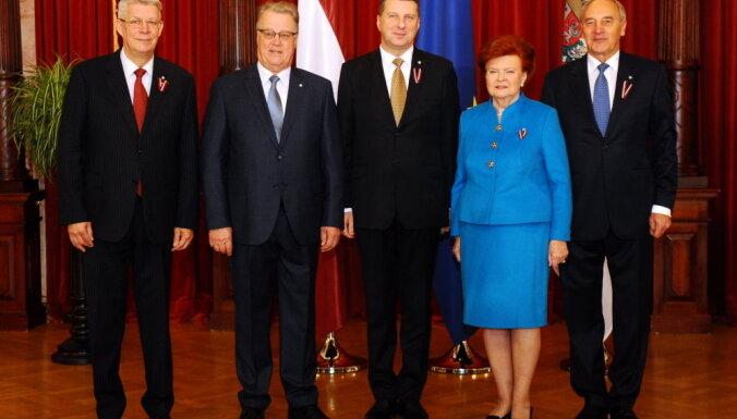 Всем неделю отдыха за счет Латвии! Улманис о слабости дяди Карлиса, массовой эмиграции и патриотизме