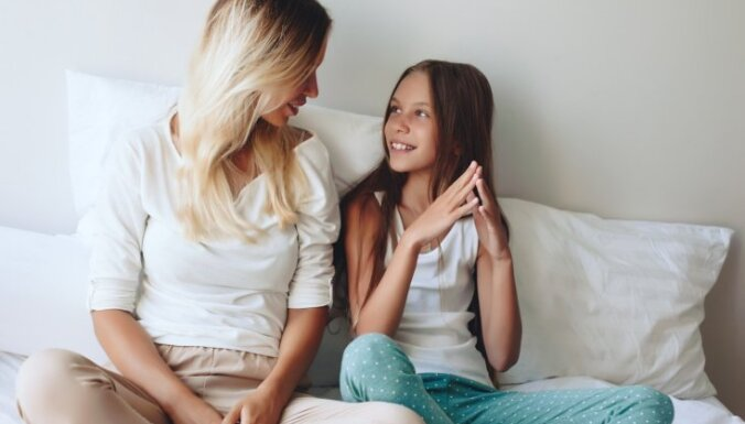 Piecas izplatītas frāzes, kuras vecākiem jāpārstāj teikt savai meitai