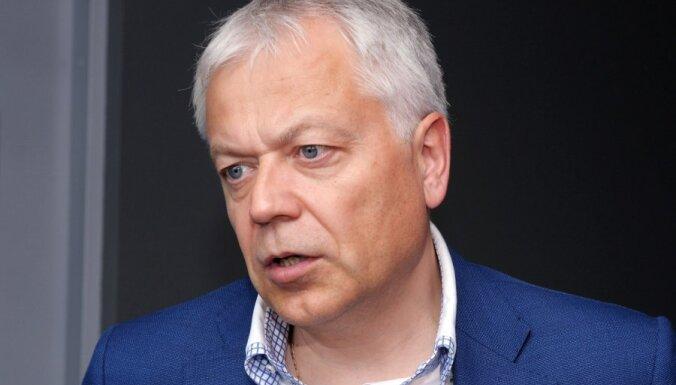 Митрополит Рижский и всея Латвии Александр вручил медаль мэру Лиепаи