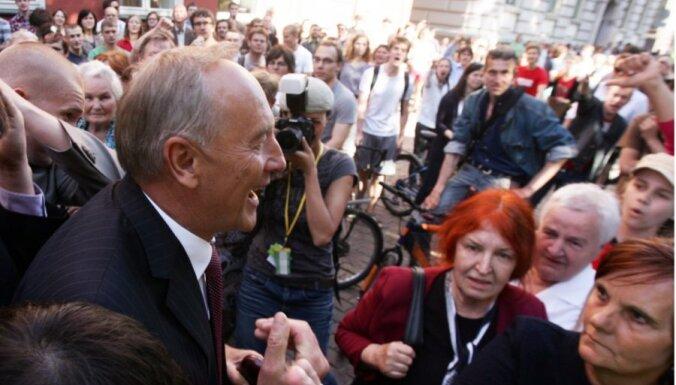 Первые визиты президента Латвии обошлись в 3000 латов