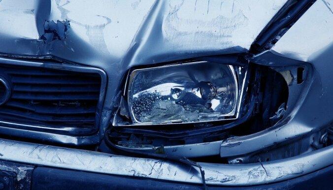Aizvadītajā diennaktī ceļu satiksmes negadījumos cietuši četri cilvēki