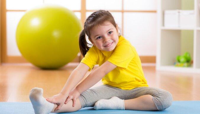 Тренируемся дома! Упражнения для детей от 6 месяцев до 10 лет