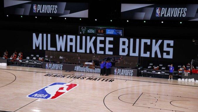 Basketbolisti sauc pēc sociāla taisnīguma – NBA komandas boikotē trešdienas spēles (plkst. 00.07)