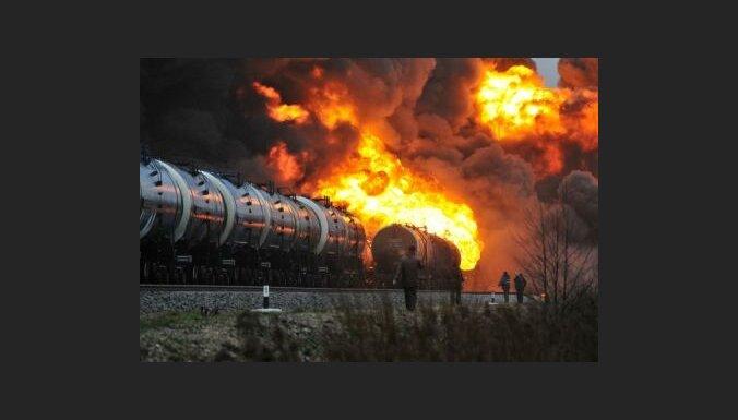 В Вентспилсе сгорели цистерны с топливом