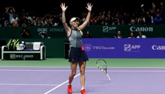 Vozņacki pirmo reizi karjerā triumfē WTA finālturnīrā