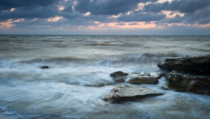 В Черном море затонул сухогруз, два человека погибли, шестерых не могут найти