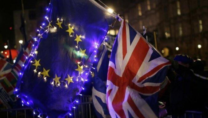 ES un Lielbritānija panākušas vienošanos par pēcbreksita attiecībām (plkst. 20:52)