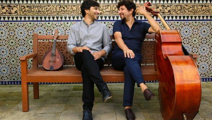 'Lielajā dzintarā' koncertēs mandolīnas un kontrabasa virtuozi Avitali