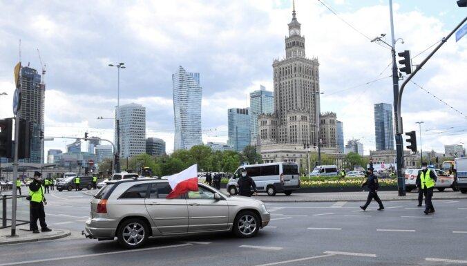 Polija ieviesīs jaunus ierobežojumus cīņā ar Covid-19