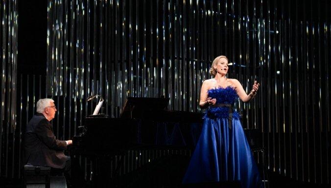 Foto: Divas zvaigznes uz vienas skatuves - Raimonds Pauls un Elīna Garanča