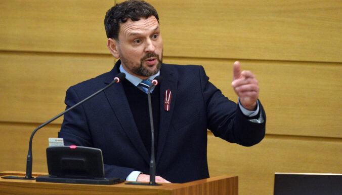 Новый вице-мэр Риги уволил половину совета Rīgas satiksme