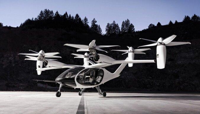 'Toyota' iegulda 400 miljonus dolāru lidojoša taksometra izstrādē