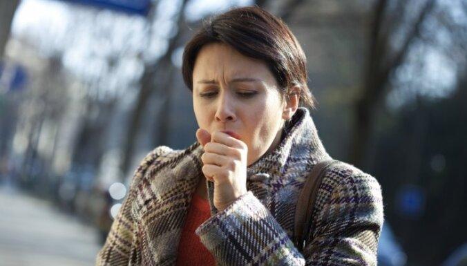 Bronhītu mājās neārstē. Ārsta skaidrojumi, par ko liecina klepus un kā izvairīties no saslimšanas