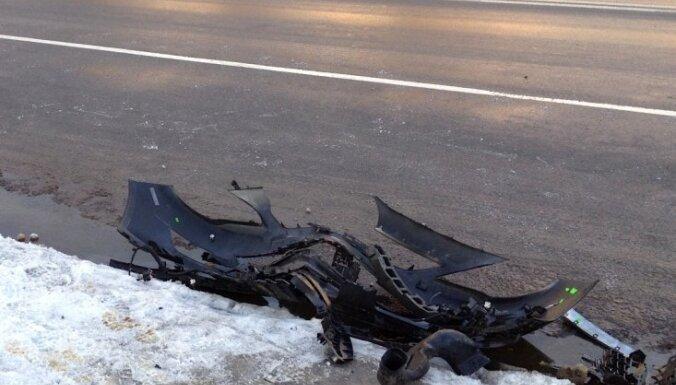 Autobusa un auto avārijā Ērgļu novadā cietuši trīs cilvēki