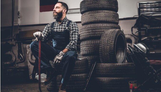 Autoservisi: riepu nomaiņa autovadītājiem patlaban nav aktuāla