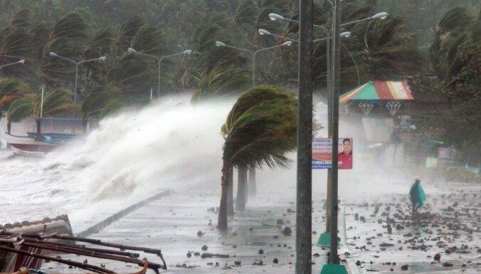 На Филиппины обрушился гигантский супертайфун